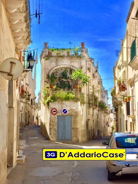 Soluzione Indipendente in vendita a Grottaglie, 10 locali, Trattative riservate | CambioCasa.it