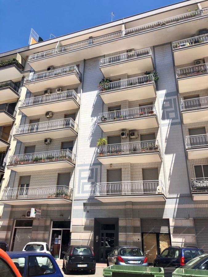 Locale Commerciale Taranto TA1128415