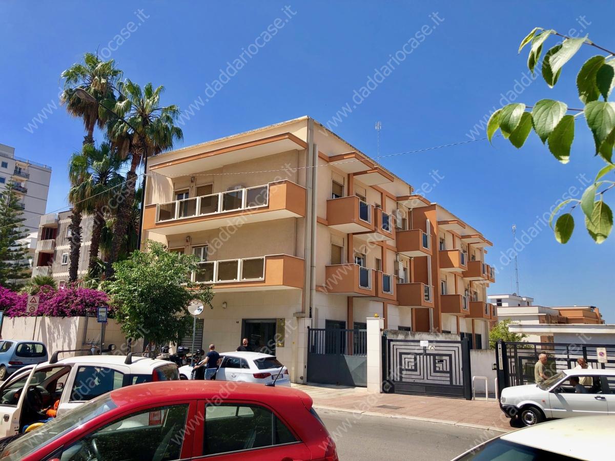 Appartamento affitto Taranto (TA) - 3 LOCALI - 150 MQ