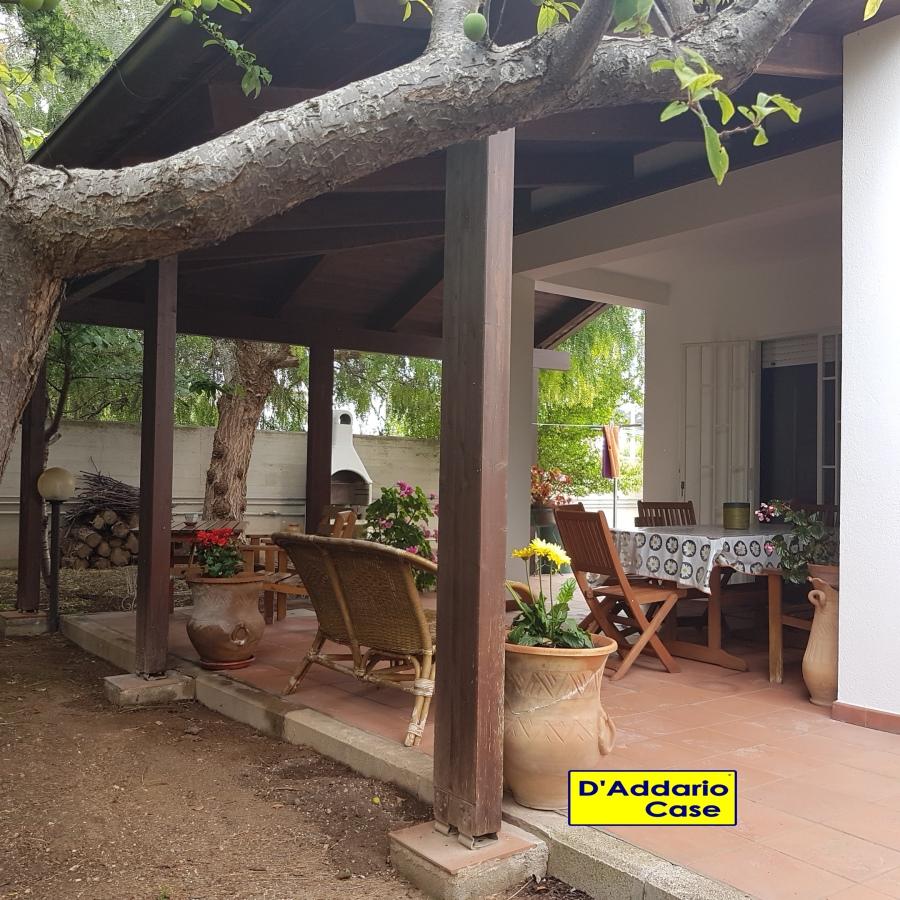 Villa in vendita a Taranto, 4 locali, prezzo € 289.000 | CambioCasa.it