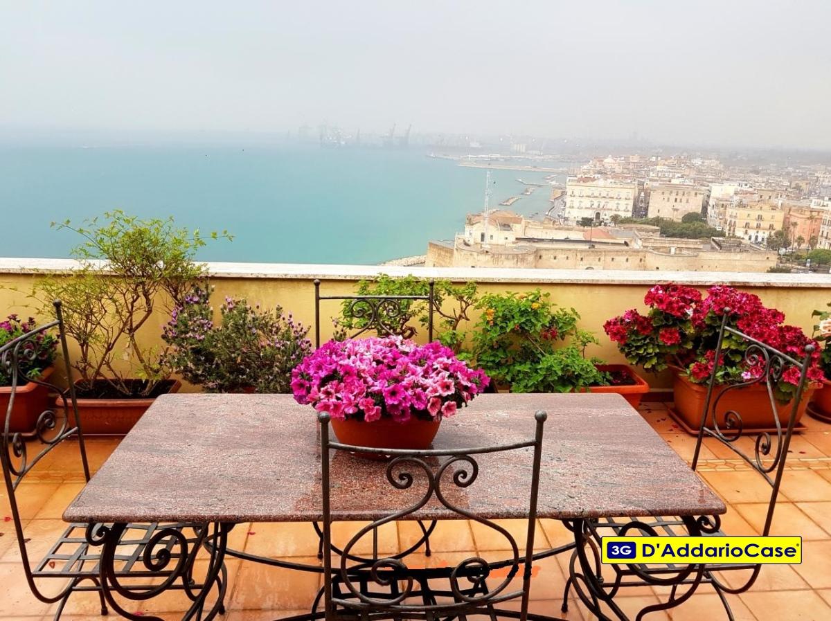 Attico in Vendita a Taranto, 428'000€, 128 m²