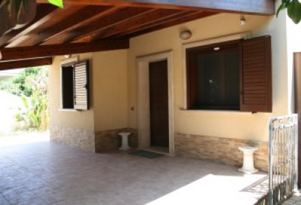 DETACHED VILLA ON ONE LEVEL PORTO PIRRONE