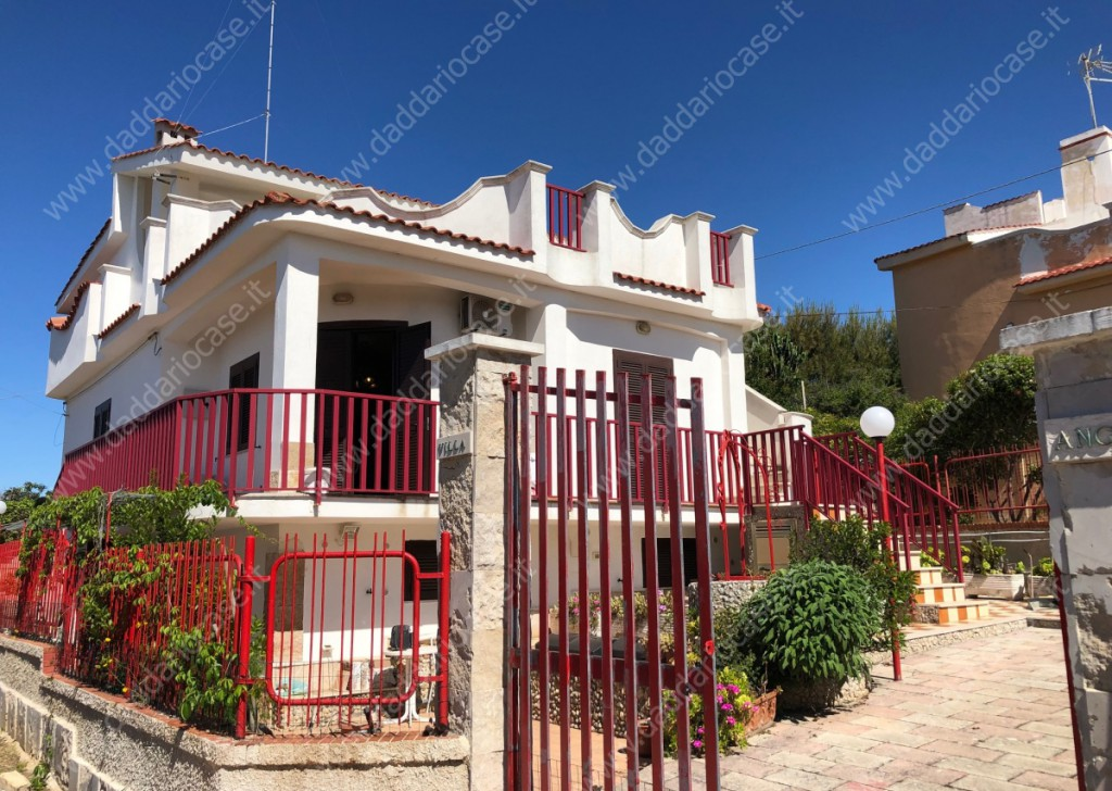 Rent Three-room apartments Leporano - Apartment in Villa Locality