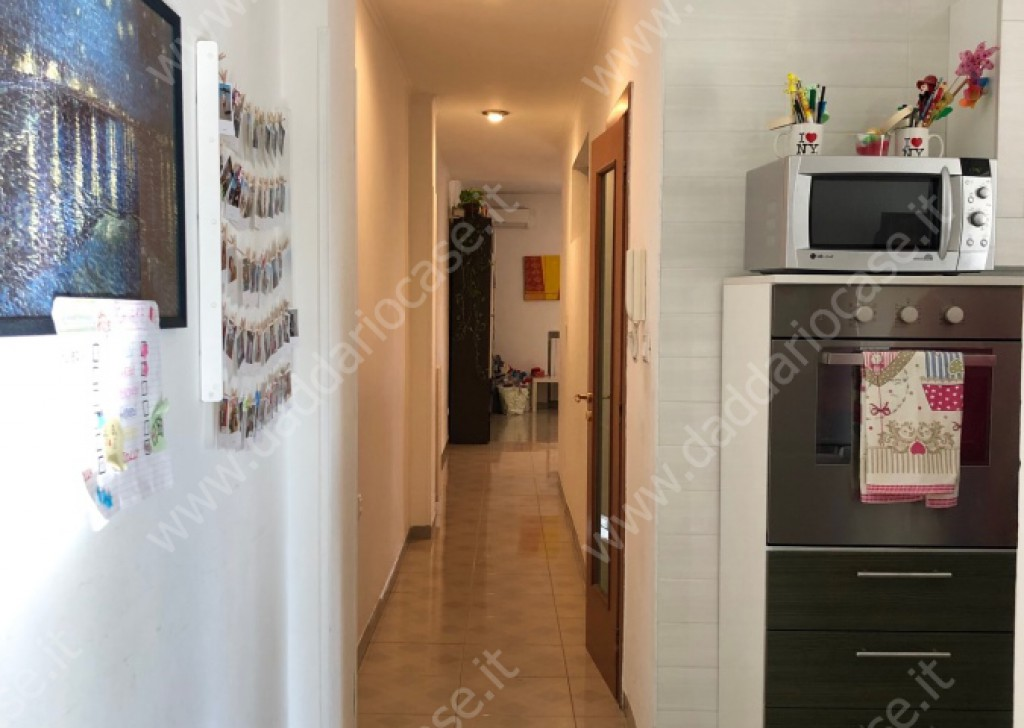 Sale Three-room apartments Taranto - Bright Apartment Via Campania Locality