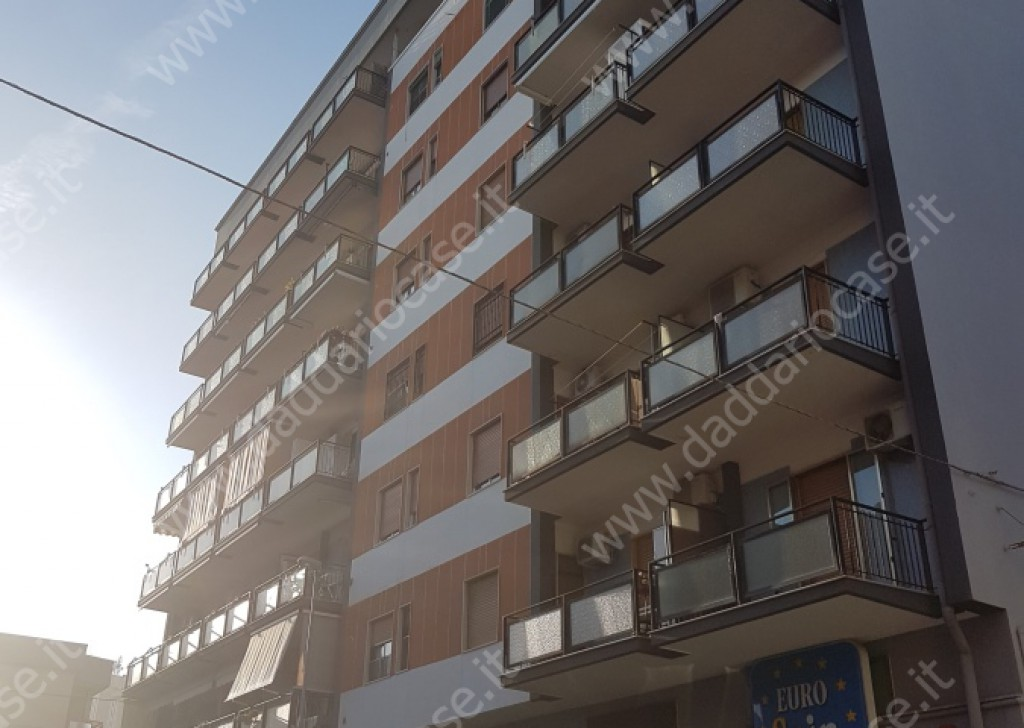 Sale Three-room apartments Taranto - BRIGHT AND FINISHED 3 COMPARTMENTS VIA SIBARI Locality