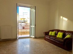 BRIGHT THREE-ROOM VIA LEONIDA - 10