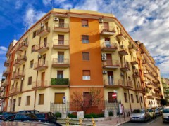 BRIGHT THREE BEDROOM VIA UMBRIA - 1